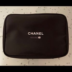 Authentic CHANEL Brush Set with Zippered Bag